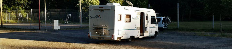 Des campeurs déjà sur place la veille de l'ouverture du camping